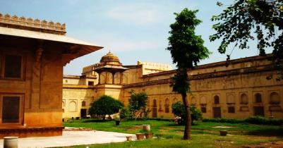 HireTempo Traveller On Rent In Delhi